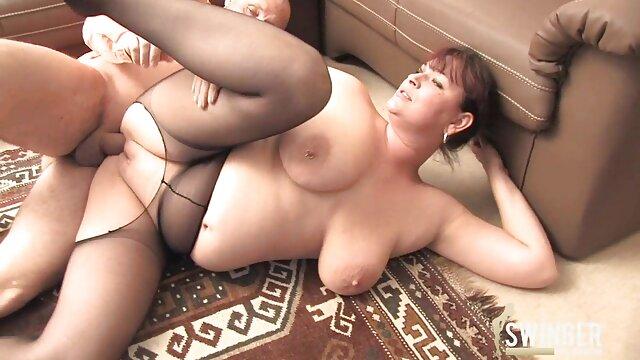 Grandes sexso español azotes de botín engrasados y un chorro desordenado