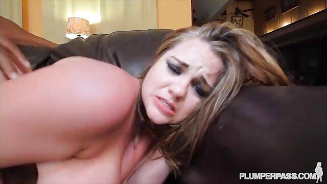 Real debutante peliculas porno dobladas al español chupa la polla de un anciano antes del sexo