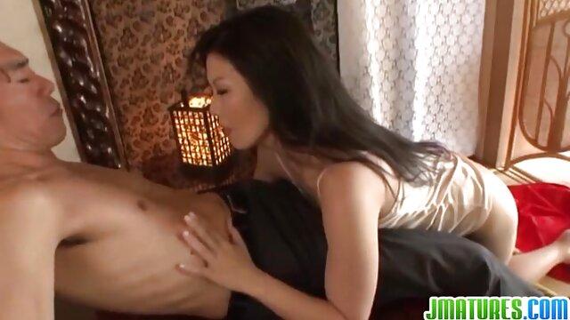 PureMature Después de una lección de videos de porno en castellano tenis follando con la MILF Brandi Love