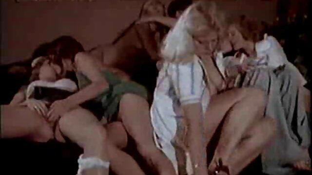 Lesbianas novia lamiendo hermosa porno con audio latino dyke