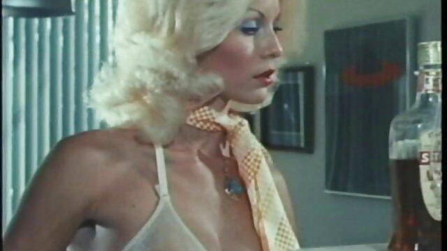 ¡La amante lesbiana Puma Swede obtiene un coño jugoso phorno español y caliente para Bday!