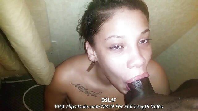 Adolescente sexy toma polla por robar fakings completos en una tienda