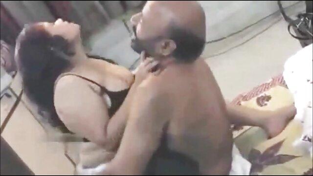 Colegiala clitrubbed mientras se masturba hasta facial videos amateur español